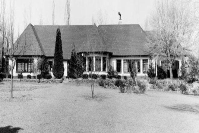 """Résultat de recherche d'images pour """"Liliesleaf Farm"""""""