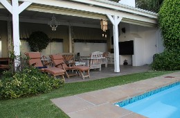 5 Campstreet Guesthouse & Self-catering