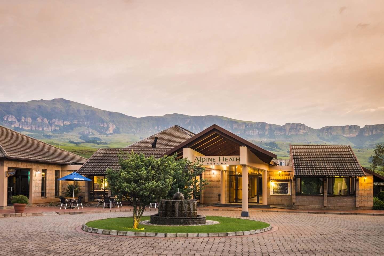 Aha alpine heath resort bergville south africa for Alpine lodge