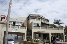 Ansteys Beach Self Catering and Backpackers Durban