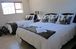 Self Catering Room - Twin Beds