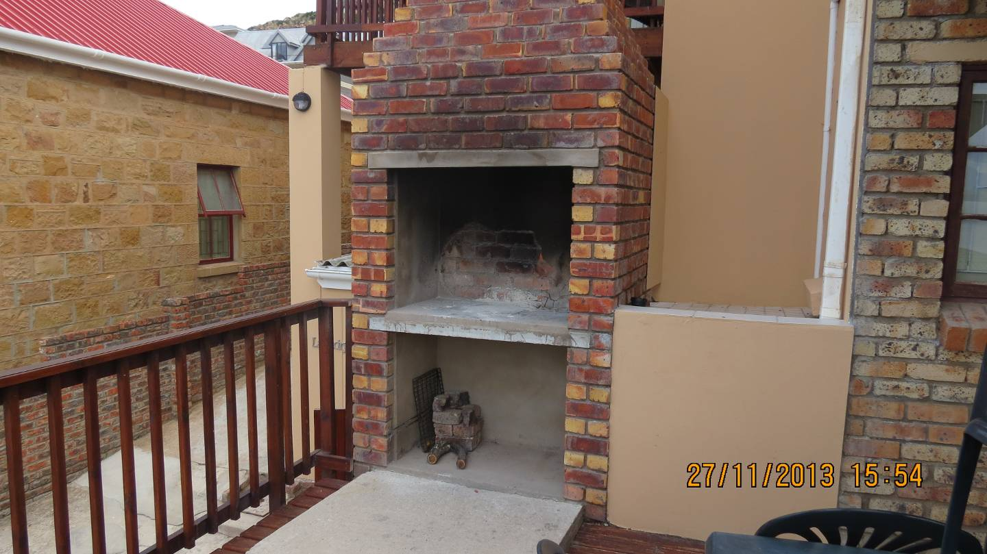 Mossel bay self catering accommodation mossel bay south for Large balcony decorating ideas