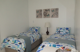 Budget Room with 2 single beds - 1 or 2 Persons Beds