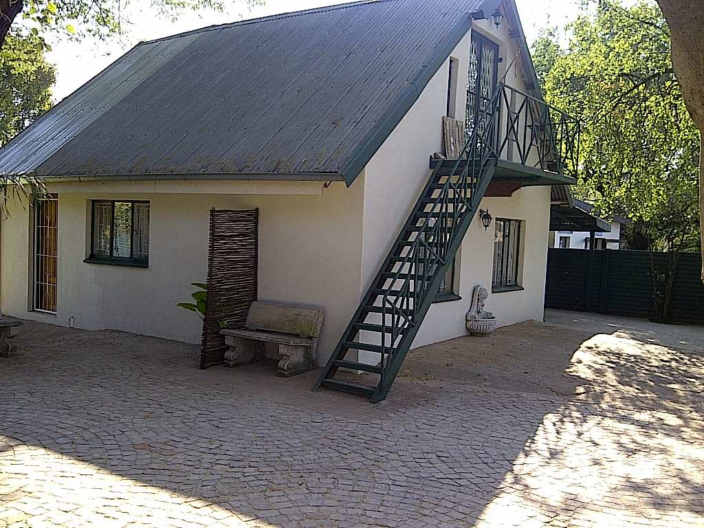 Brits South Africa  City new picture : Big Tree Guesthouse, Brits, South Africa
