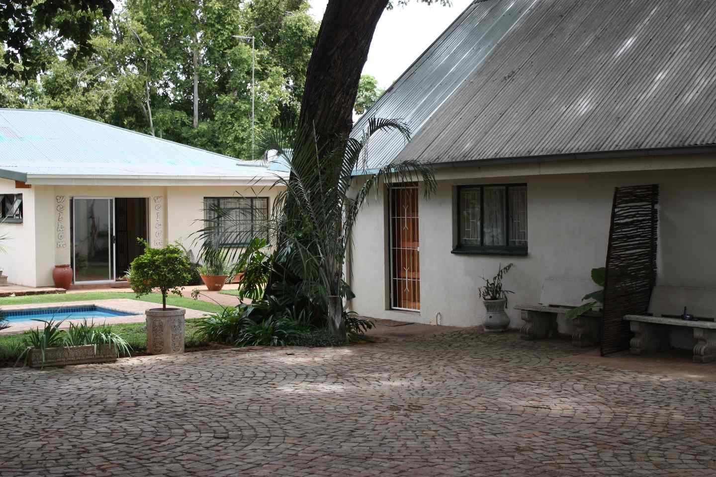 Brits South Africa  city images : Big Tree Guesthouse, Brits, South Africa