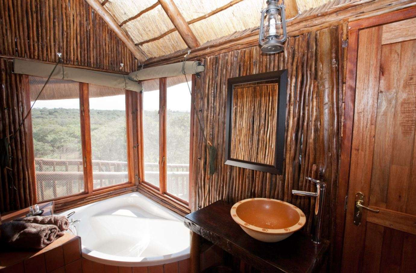 pictures of bona ntaba tree house lodge