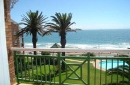 Brookes Hill Beachfront Apartment-Humewood Port Elizabeth