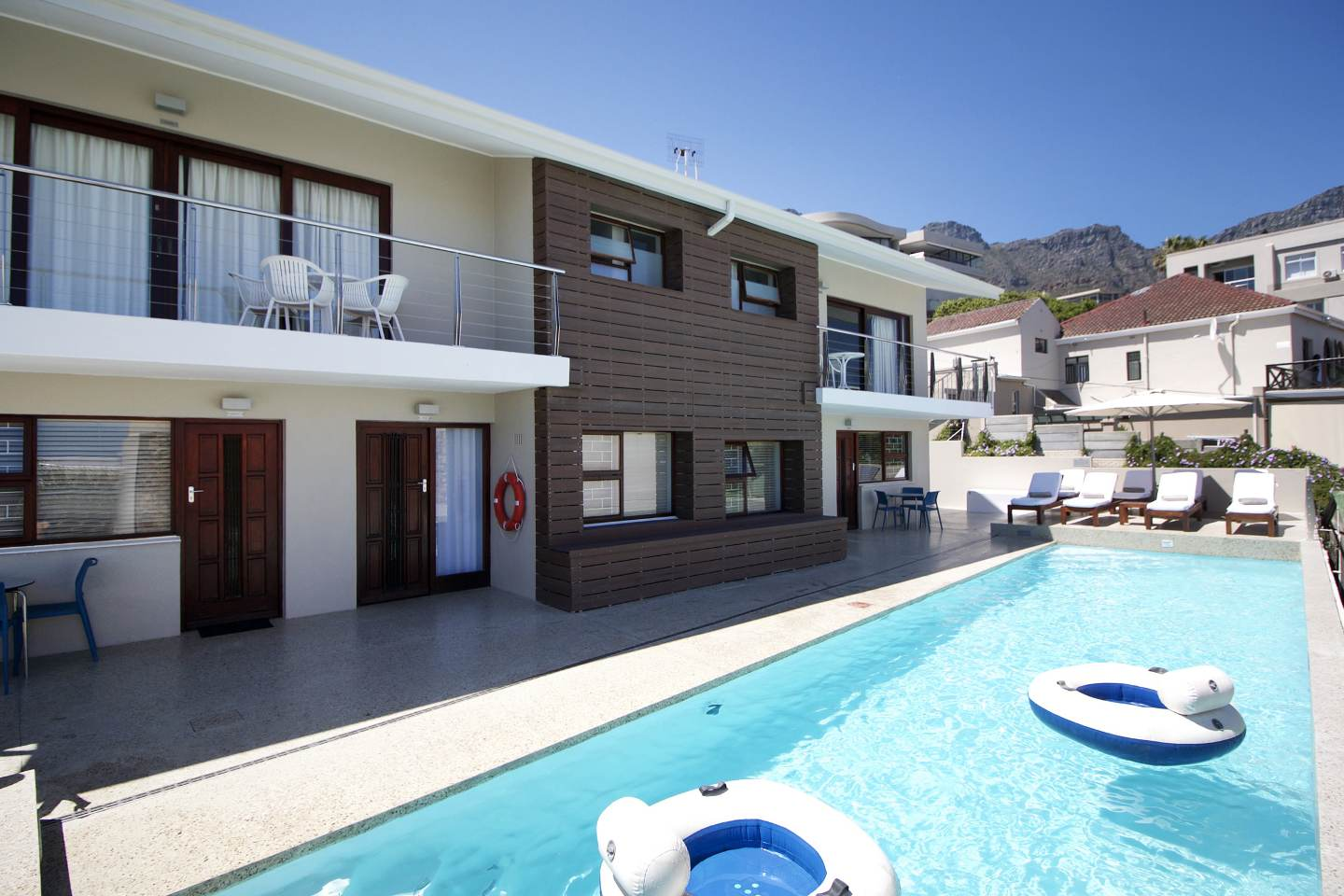Camps bay village cape town south africa for Apartment plans south africa