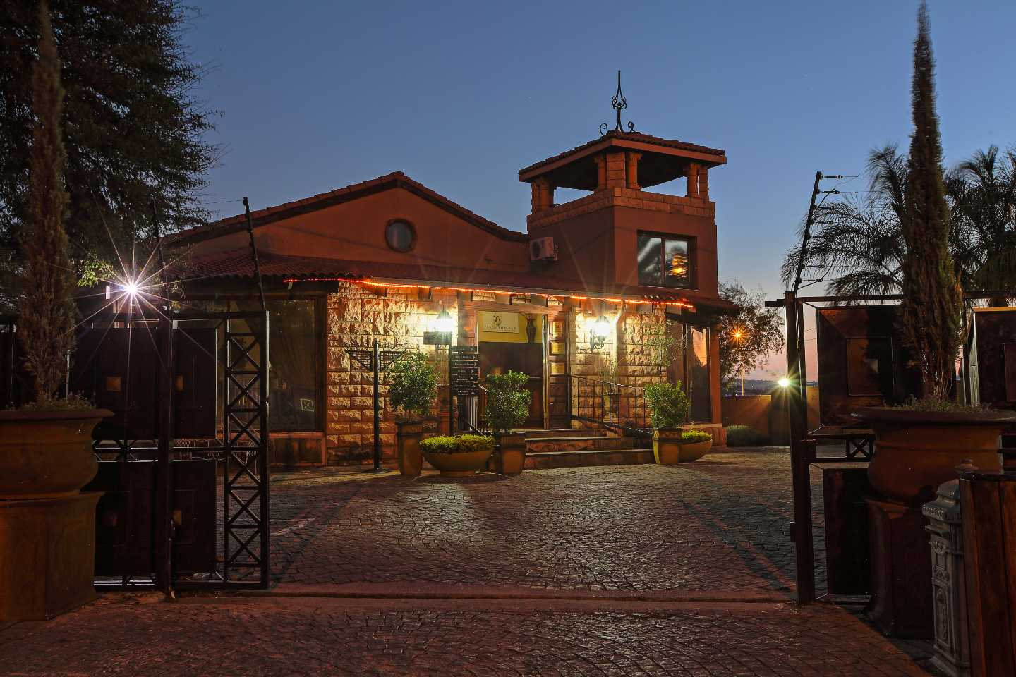 casa toscana luxury lodge  pretoria