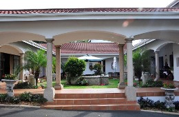 Centre Court B&B