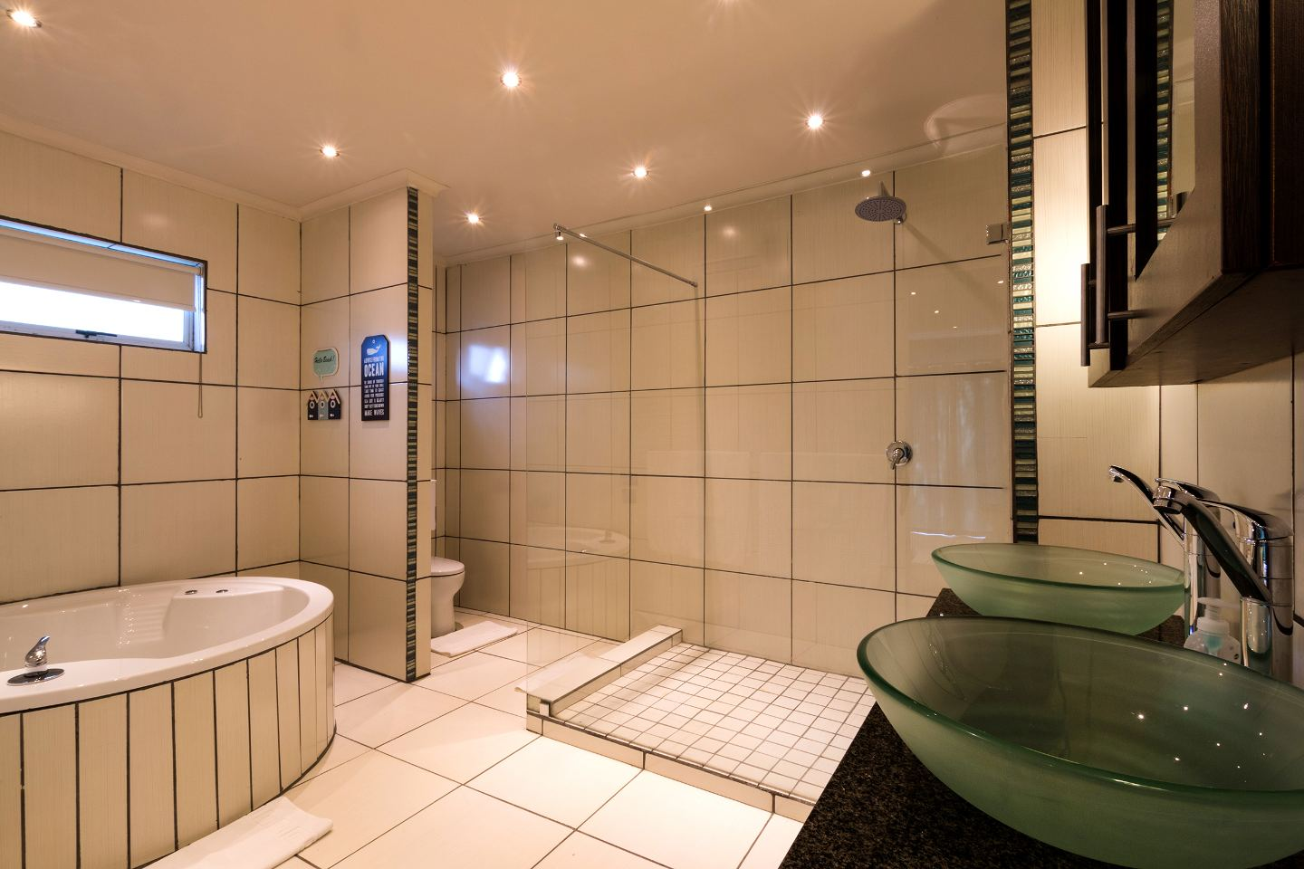 Cocomo Guesthouse, Spa & Conference Centre, Hartbeespoort, South Africa