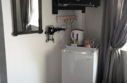 Standard Ensuite (Bath and Shower) Bar Fridge and TV
