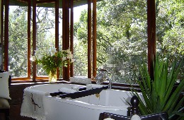 Narina Luxury Cottage - Bathroom