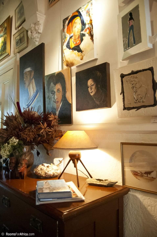 Awe Inspiring Jambo Guest House Interior Design Ideas Inesswwsoteloinfo
