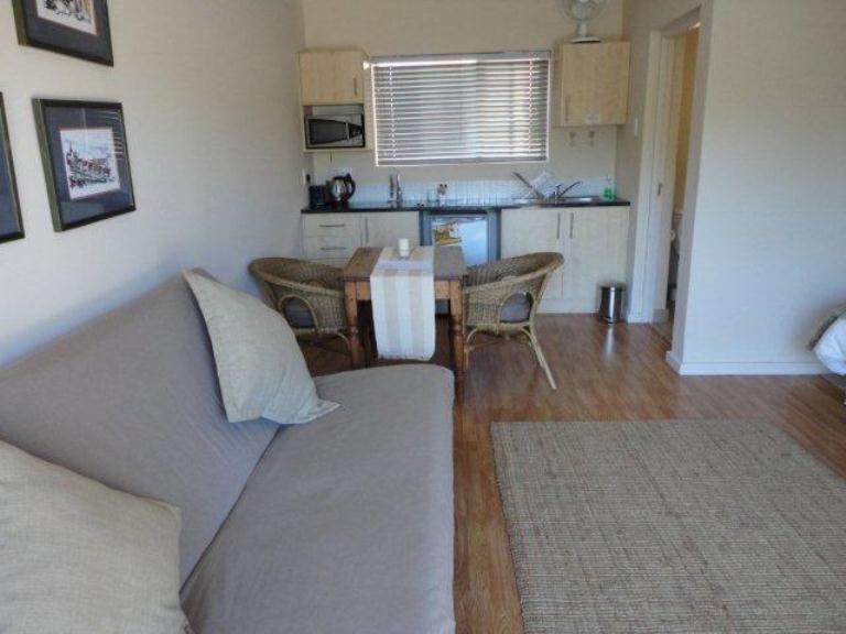 Jenvey House Selfcatering Apartments Port Elizabeth