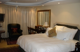 Luxury Self Catering Unit Bedroom