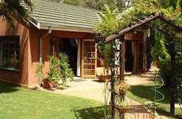 Little Dreams Guest House Bed & Breakfast Accommodation Lichtenburg