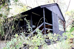 1-4 sleeping, self-catering cabin