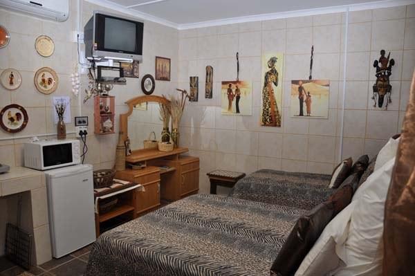 Out Of Africa Guest Houses Kalahari Lodge Carnarvon