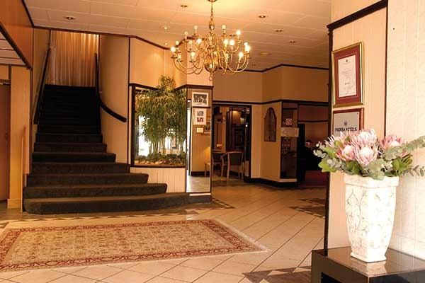 Protea Hotel By Marriot 174 Cumberland Worcester South Africa