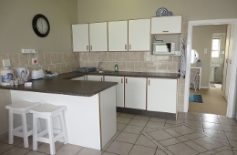 Fully self catering Kitchen with breakfast nook