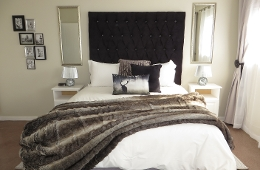 Main bedroom with queen bed