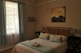 Swartberg Gastehuis/Guest House Caledon