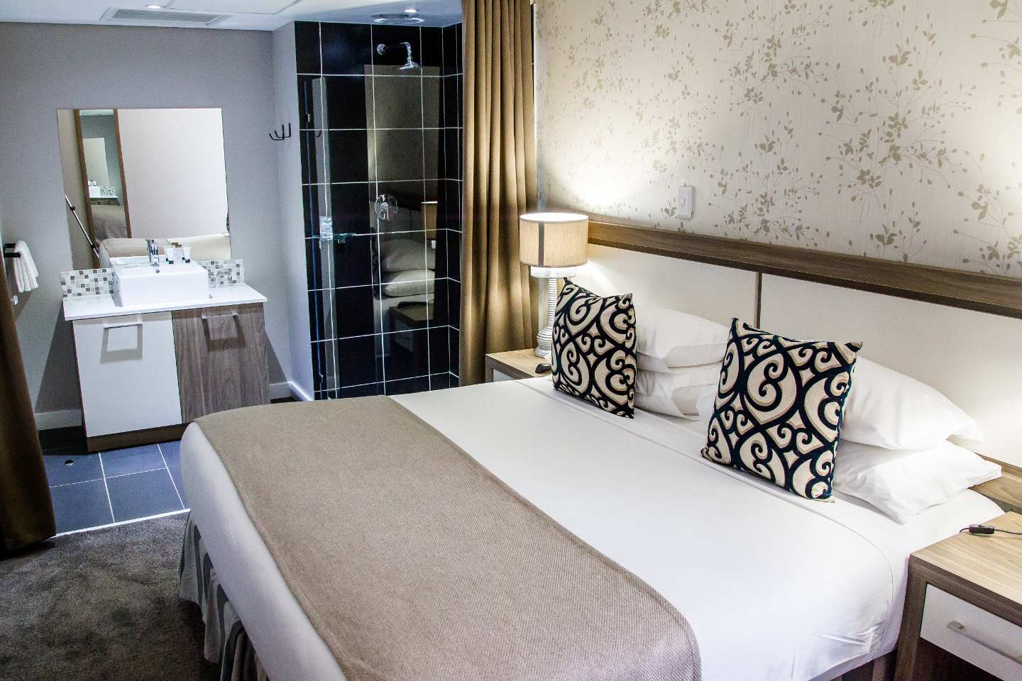 Aha the waterfront hotel and spa durban south africa for Hotel salon