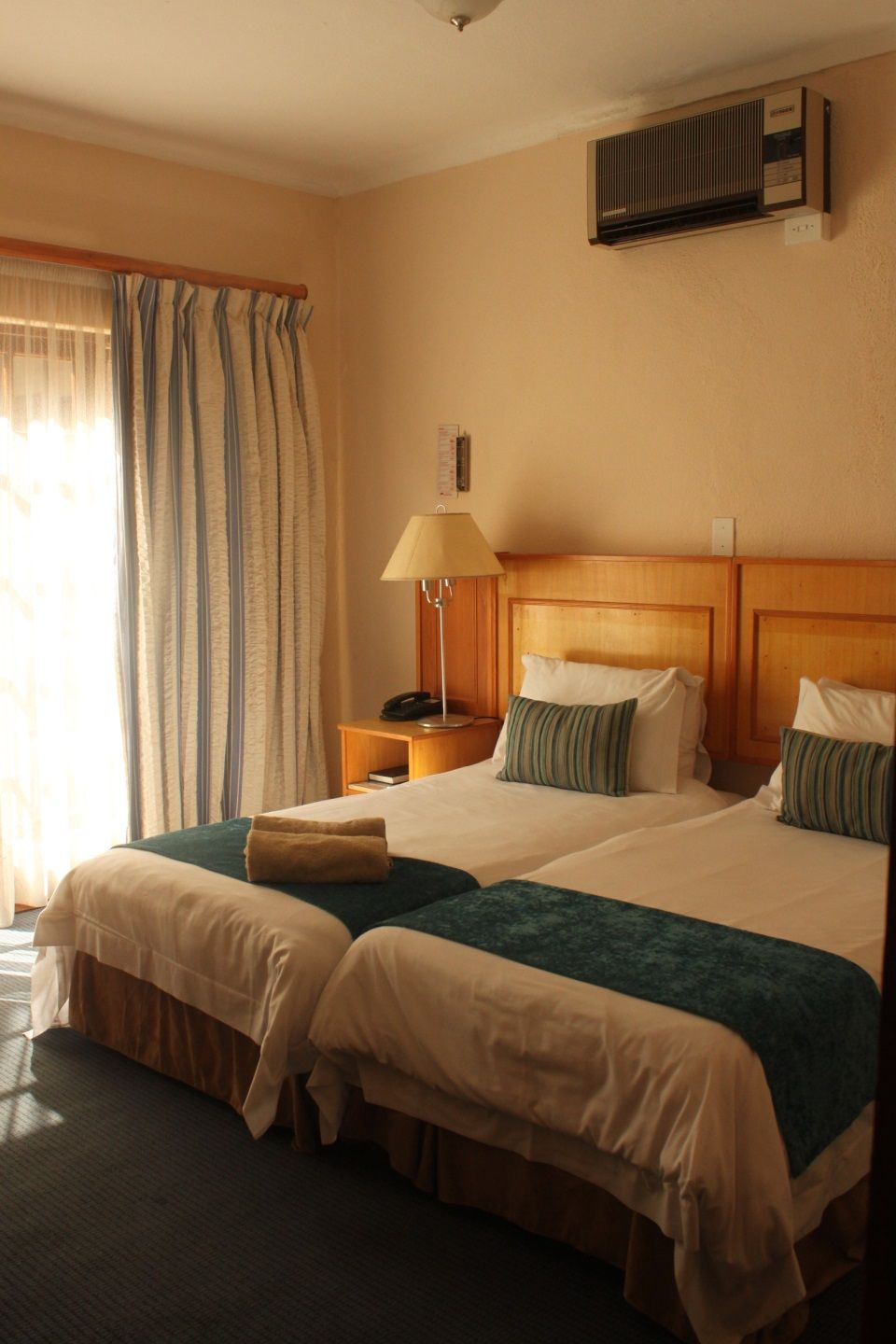 Twin Bed Hotel Room: The Wilderness Hotel, Wilderness