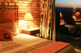 Rosemary 1 Bedroom Cottage, Spa bath Bed