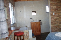 Lavender 2 Bedroom, 2 Bathroom House Bathroom