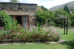 Timmerskraal Self Catering Cottage & B&B Clarens