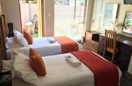 Double Room: 2 Single Beds, Full bathroom (Room 5)