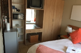 Double Room: Double Bed with Shower (Room 8,16)