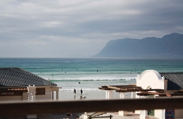Whale Watchers Luxury Beach Apartments (Muizenberg)